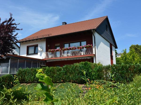 Hotel Pictures: Haus Jüttner, Battenberg