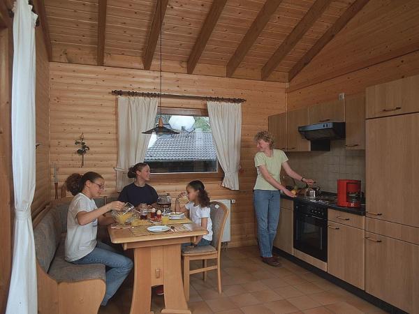 Hotelbilleder: Apartment Feriendorf Reinskopf 2, Nimshuscheid