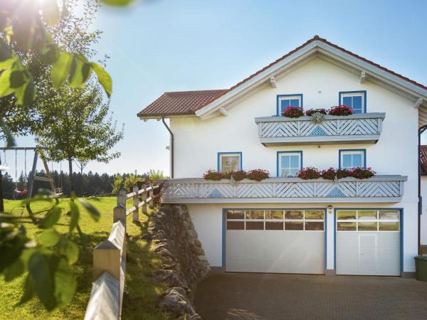Hotelbilleder: Apartment Am Berghof 1, Bernbeuren