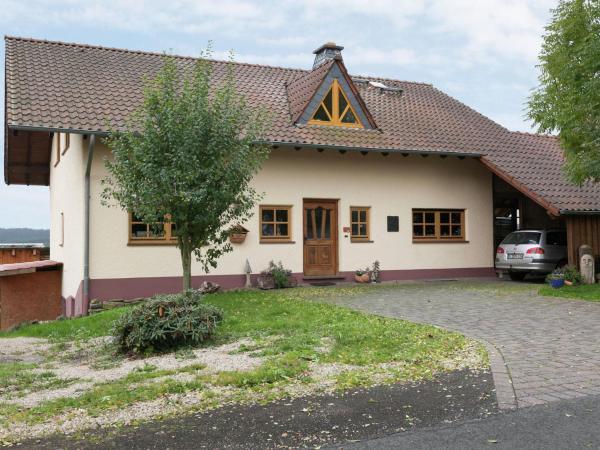 Hotelbilleder: Apartment Schwalbennest 3, Feuerscheid