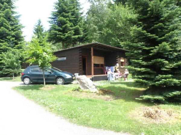 Hotel Pictures: Chalet Bungalowpark Schnee-Eifel, Sellerich