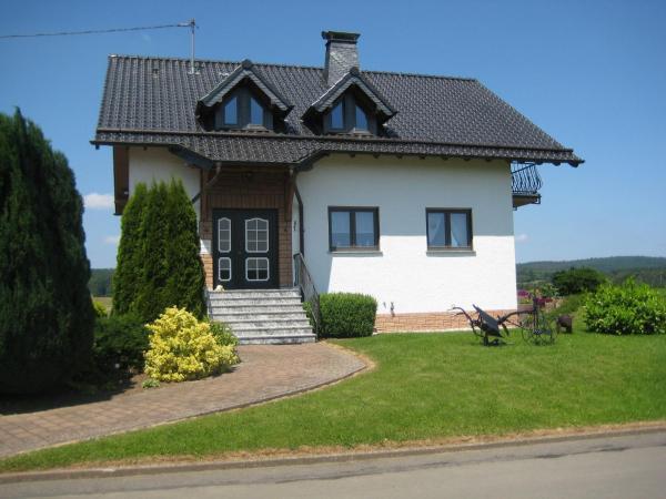 Hotelbilleder: Ferienwohnung Ewald, Antweiler