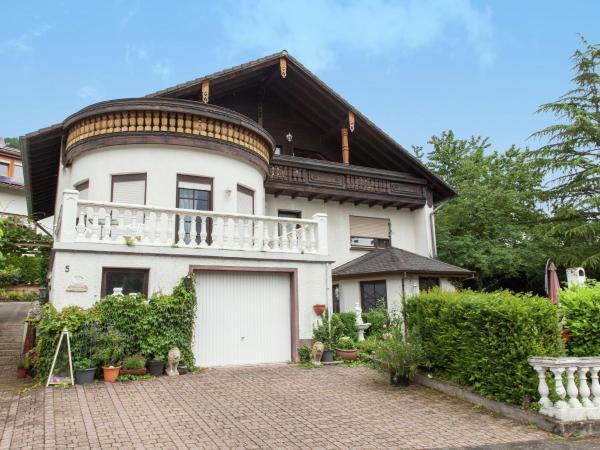 Hotel Pictures: Ferienwohnung Weitmann, Saarburg