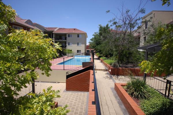 Фотографии отеля: Boutique Properties Canberra Two Bedroom Apartment Manuka, Канберра