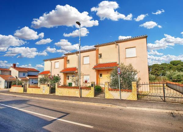 Fotos del hotel: Apartment with 4 Bedrooms 446, Fažana