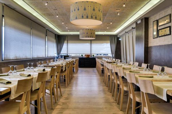 Hotel Pictures: Hostal Restaurante El Español, Bujaraloz
