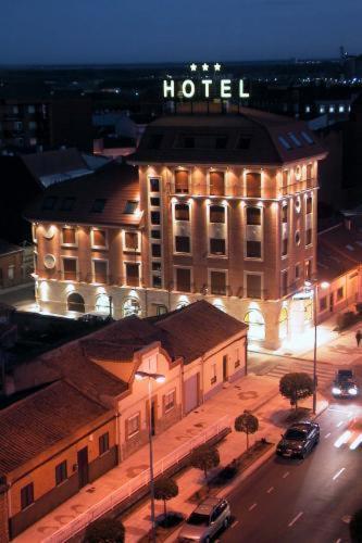 Hotel Pictures: Hotel Santiago, Benavente