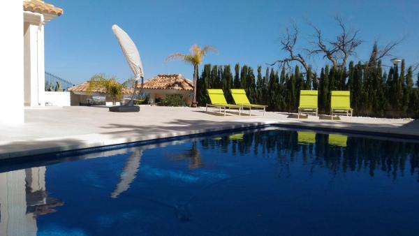 Hotel Pictures: Villa en La Mairena, Ojén