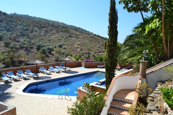 Hotel Pictures: Los Almendros Rural 2, Vélez-Málaga