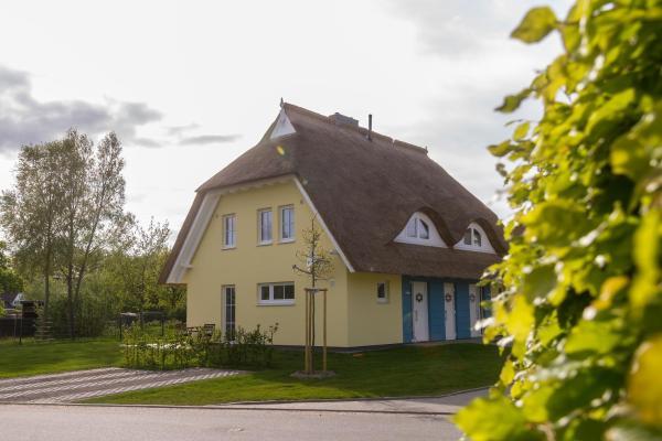 Hotel Pictures: Ferienhaus Strandweg 70 links, Börgerende-Rethwisch