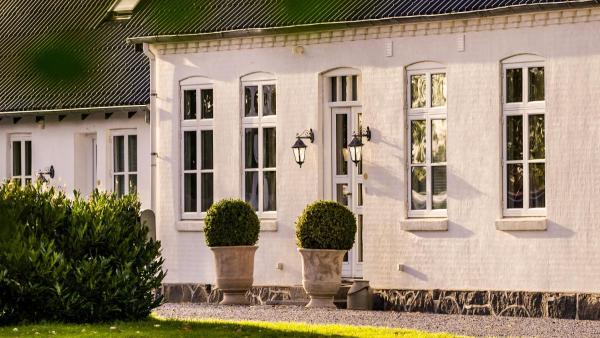 Hotel Pictures: Mejerigården Bed and Breakfast, Gedser