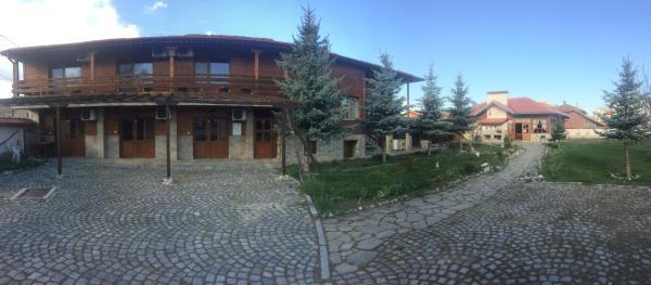 Hotel Pictures: Hadji Yordan Guesthouse, Shiroki Dol