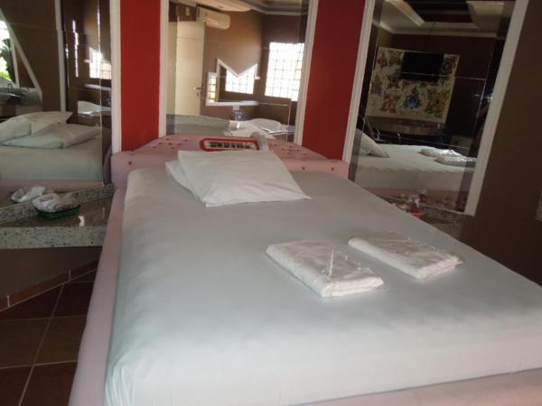 Hotel Pictures: Fenix Motel(Only Adults) Cor. Proc, Cornélio Procópio