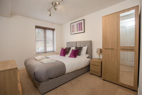Hotel Pictures: Rollason Executive Apartments, Brentwood