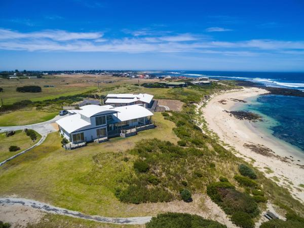 Fotos de l'hotel: Amhurst Beachfront Cottage, Port Fairy