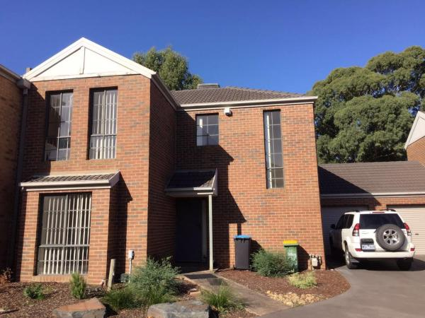 Фотографии отеля: Townhouse Wantirna South, Burwood