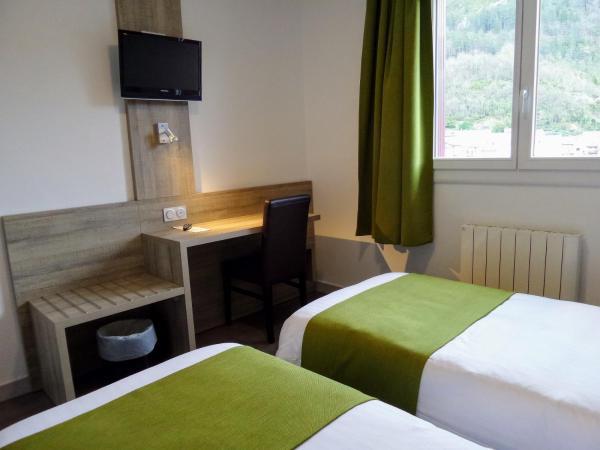 Hotel Pictures: Jura Hotel Restaurant Le Panoramic, Saint-Claude