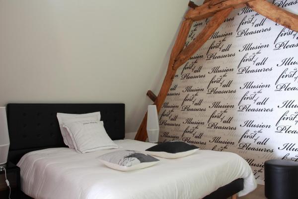 Hotel Pictures: Relais du Silence La Ferme Blanche, Lompret