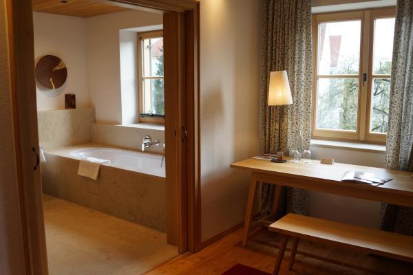 Hotel Pictures: Romantik Hotel Zum Klosterbräu, Neuburg an der Donau