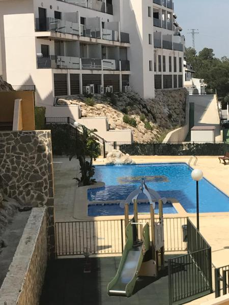 Hotel Pictures: Apartment with garden near the beach, Campoamor