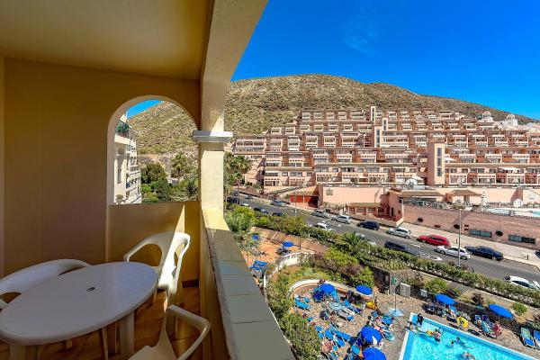 Hotel Pictures: Apartment Los Cristianos 27CHR38, Playa Paraiso
