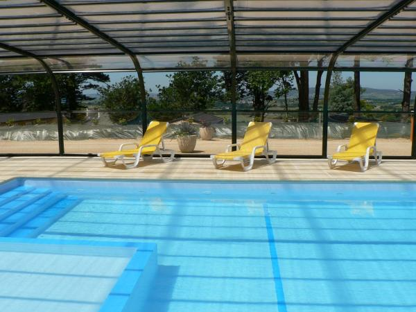 Hotel Pictures: Camping Locronan, Locronan