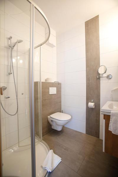 Fotos do Hotel: Seecamping & Pension Mentl, Landskron