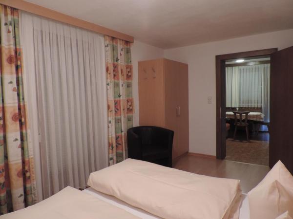 Фотографии отеля: Apartments Alpenrose, Флирш