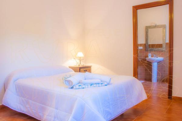 Hotel Pictures: La Rosilla, Almogía