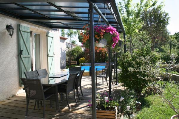 Hotel Pictures: Chambres d'hôtes Le Puid de Gauthier, Saturargues