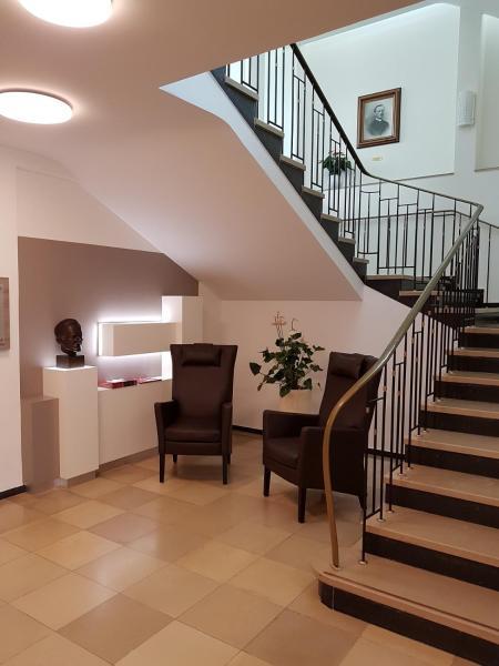 Hotel Pictures: Kloster Neustadt, Neustadt an der Weinstraße