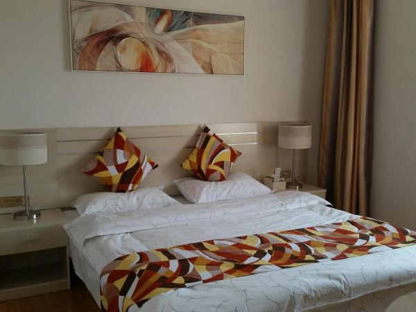 Hotel Pictures: Qingqing Apartment, Kunming