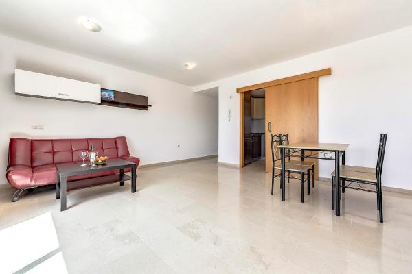 Hotel Pictures: La Flora Apartment, San Miguel de Abona