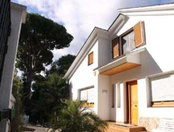 Hotel Pictures: Studio in Badalona - 100913, Badalona