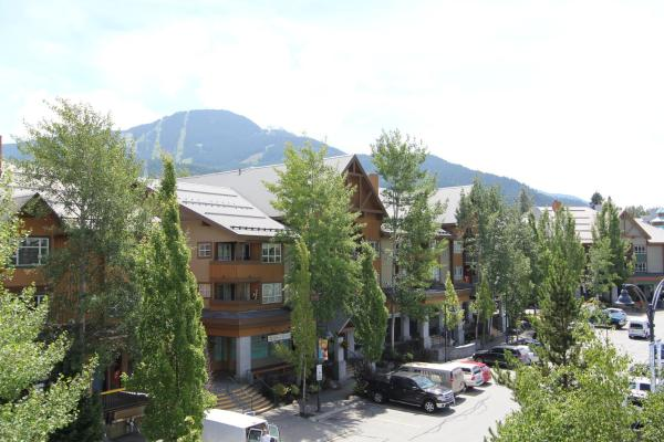 Hotel Pictures: Marketplace Lodge by Whistler Retreats, Whistler