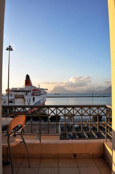 Коттедж в Патры с видом на море