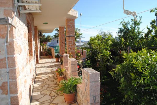 Hotellikuvia: Vila Redstone Apartment, Ksamil