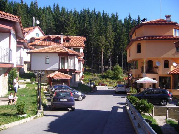 Hotel Pictures: Chalet at Forest Glade, Pamporovo