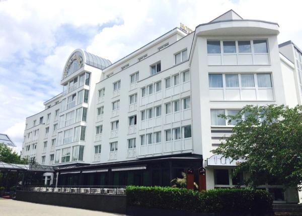 Hotel Pictures: BEST WESTERN Amedia Hotel Weiden, Weiden