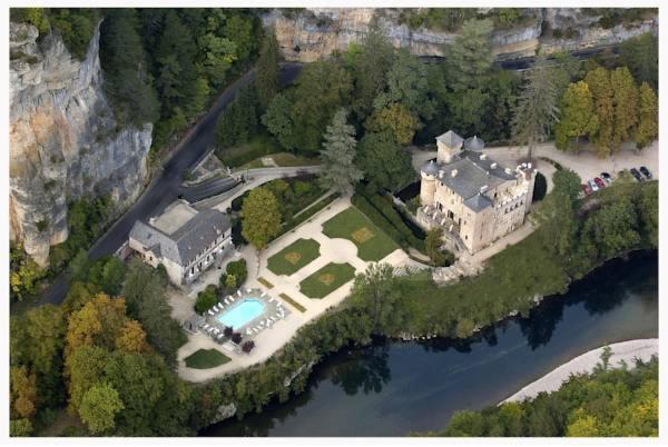 Hotel Pictures: Chateau De La Caze, Sainte-Énimie