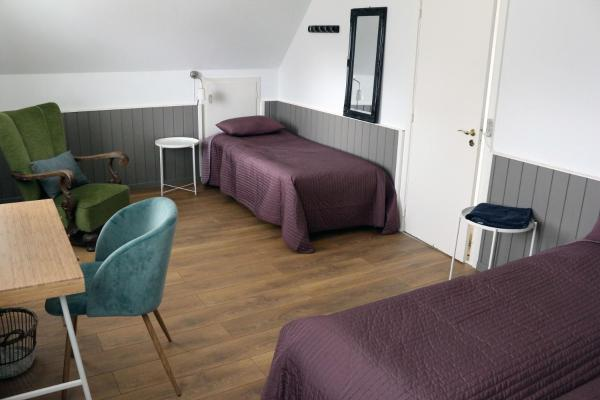 Hotel Pictures: Midtgolf Bed and Kitchen, Holløse