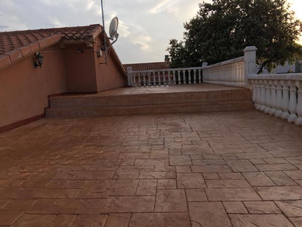 Hotel Pictures: Chalet El Jaral, Loranca de Tajuña