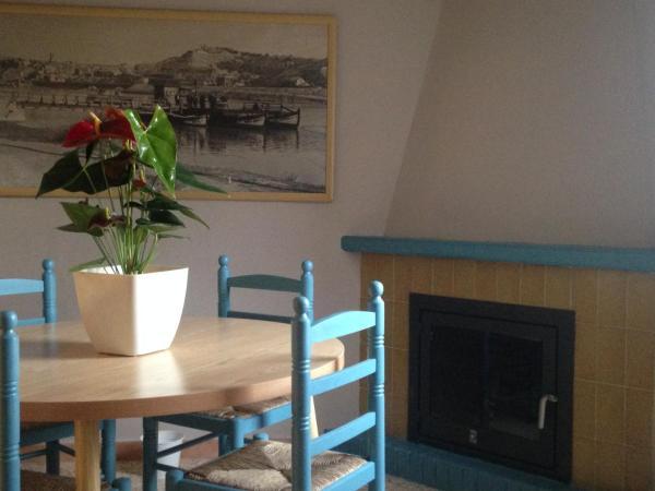 Hotel Pictures: Apartaments L' Agrari, Riba-roja dEbre