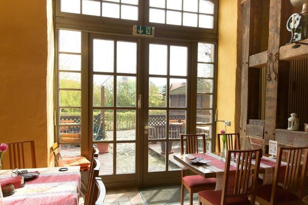 Hotel Pictures: Landhotel Zur Scheune, Röbel