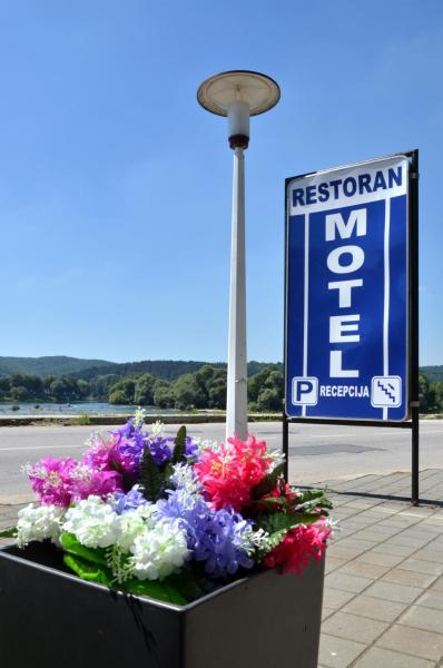 Hotel Pictures: Motel New Sanatron, Bosanski Novi