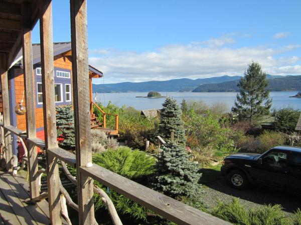 Hotel Pictures: Driftwood Cottage, Queen Charlotte