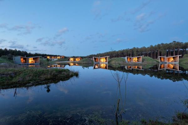 Hotel Pictures: Les Echasses Eco-Lodge, Saubion