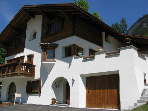 Hotel Pictures: B&B Chesa Flurina, Klosters Serneus
