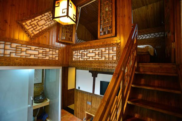 Hotel Pictures: Huangshan Hongcun Under The Maple Country House, Yi