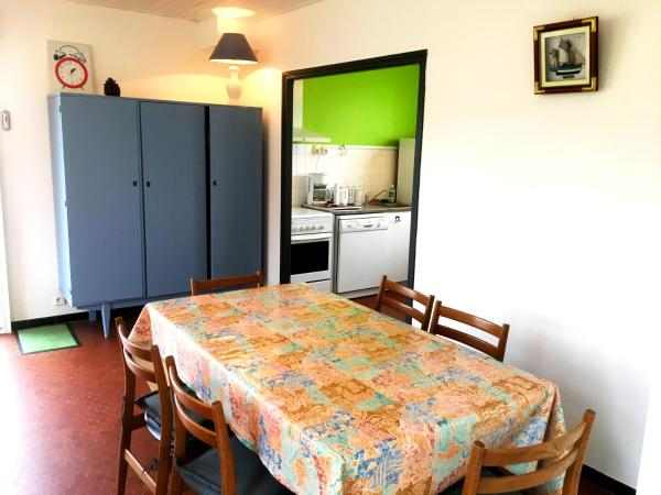 Hotel Pictures: Grande maison lumineuse, Jard-sur-Mer
